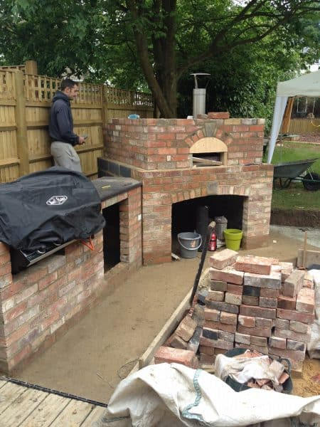 Pizza oven by David Stead Landscapes